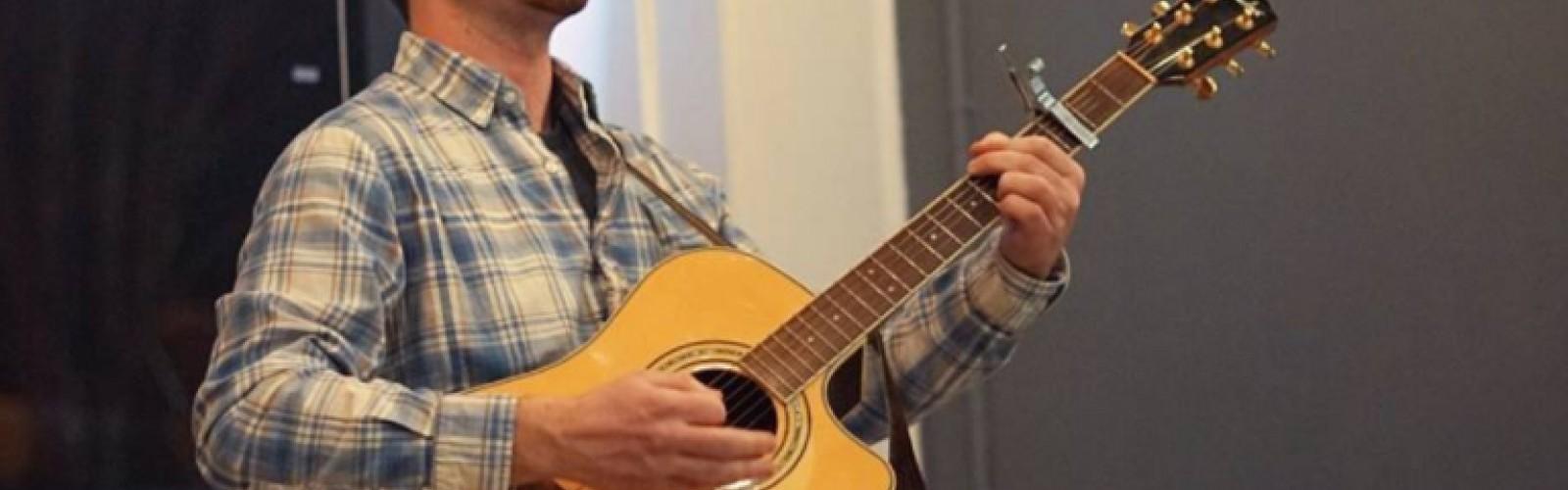 Midday Music: Luke Juday